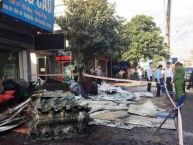 Cận cảnh rụi tàn sau vụ cháy loạt nhà liền kề ở Quảng Ninh