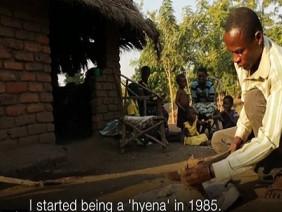 Rùng rợn làng goá phụ 'quan hệ' với người nhiễm HIV để trừ tà