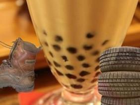 Trân châu trà sữa Trung Quốc làm từ... lốp xe, đế giày?