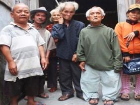 """Đời không như cổ tích với đại gia đình có nhiều """"chú lùn"""" nhất Việt Nam"""