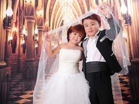 Hạnh phúc ngọt ngào ngày lên chức bố mẹ của cặp đôi bé như trẻ lớp 5