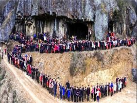 Choáng ngợp trước cảnh tượng 500 người của gia tộc 1000 thành viên tề tựu ngày họp mặt