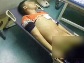 Chém giáo viên, nam sinh 17 tuổi bị nhiều giáo viên trong trường quây đánh đến chết