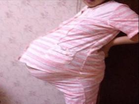 8 năm lấy chồng không có con, cả nhà khóc lịm khi thấy mặt đứa bé sau bao ngày chạy chữa