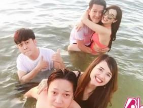 Nhã Phương lần đầu mặc bikini hở và hành động táo bạo gây choáng với Trường Giang ở dưới nước