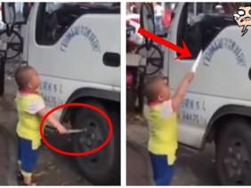 Bé trai 5 tuổi cầm dao chọc thủng lốp, dọa đâm tài xế, biết lý do ai cũng rơi nước mắt