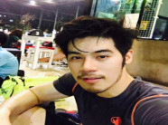 Phi công trẻ thứ 14 đẹp trai của nữ đại gia Thái 58 tuổi