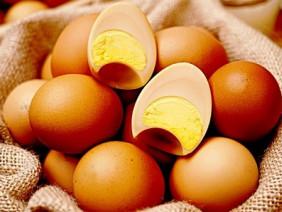 Săn lùng trứng gà xông khói Hàn Quốc giá 35.000 đồng/quả