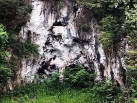 """Người đàn ông chăn """"hậu duệ lão tôn"""" trên thung lũng Thiết Sơn"""