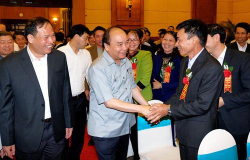 Thủ tướng đối thoại với nông dân: Gửi gắm tâm tư từ ruộng đồng